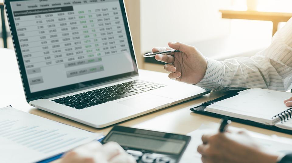 GmbH, Neustarthilfe, Soloselbständig, Vollzeit: Neustarthilfe – finanzielle Unterstützung auch für soloselbständige Kapitalgesellschaften