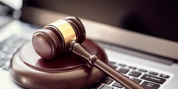 Sozialrecht: Sitzungen des Zulassungsausschusses für Ärzte dürfen nicht nur virtuell stattfinden